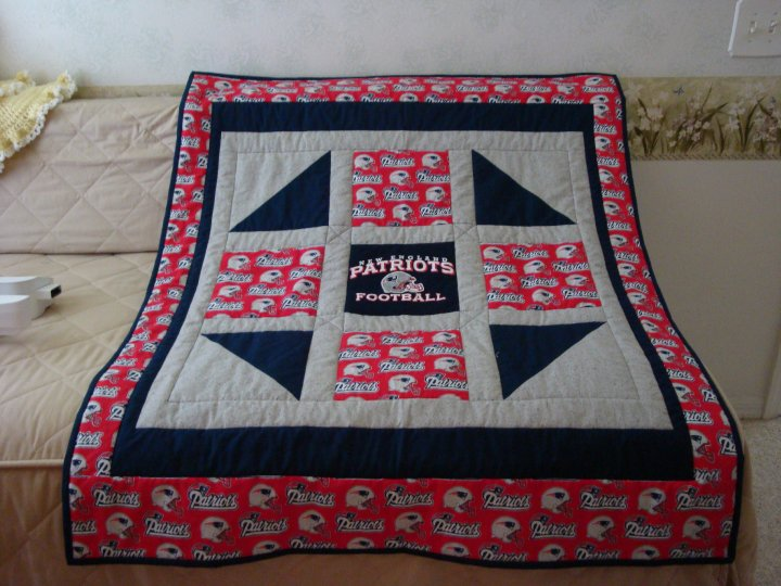 Quilt Patterns For Sports : quilt Wrapped Up in Sports, INC